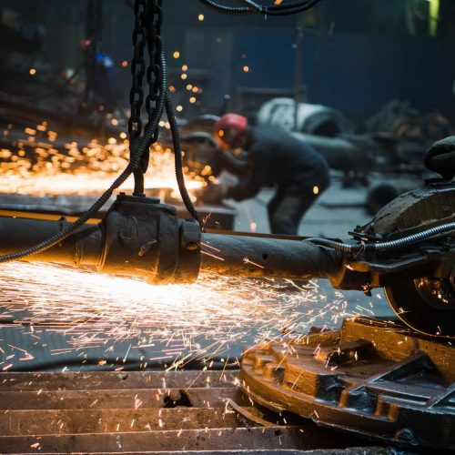 industrial-worker-cutting-and-welding-metal-with-m-7W5Q9PM.jpg